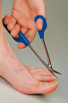 Long Handled Toe Nail Scissors 2
